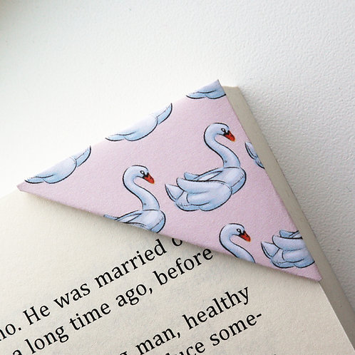 Lovely Swan Bookmark