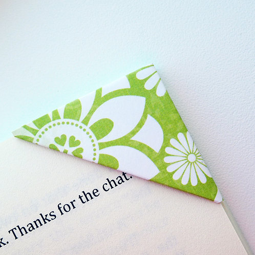 Lovely Floral Pattern Bookmark (3 colors)