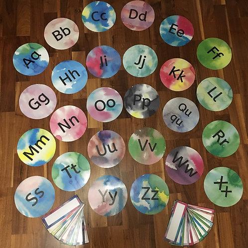 Buchstabenkreise und Schilder