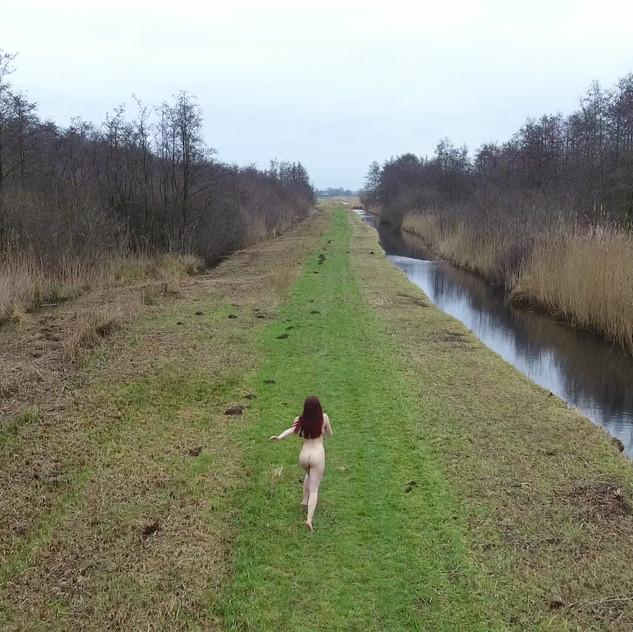 Hélène, running