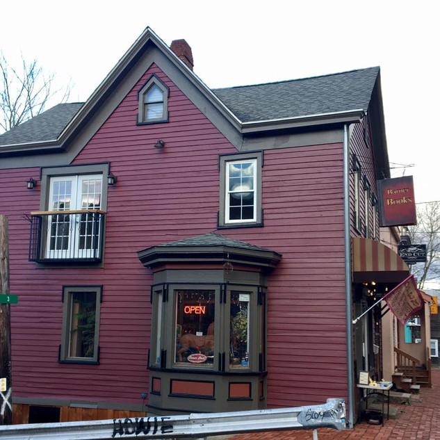 Barner Books, Catskills