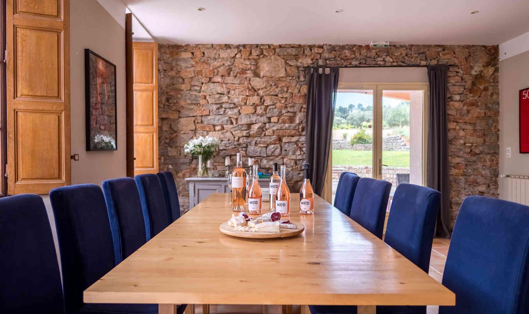 2 - Dining area (16p) -min.jpg