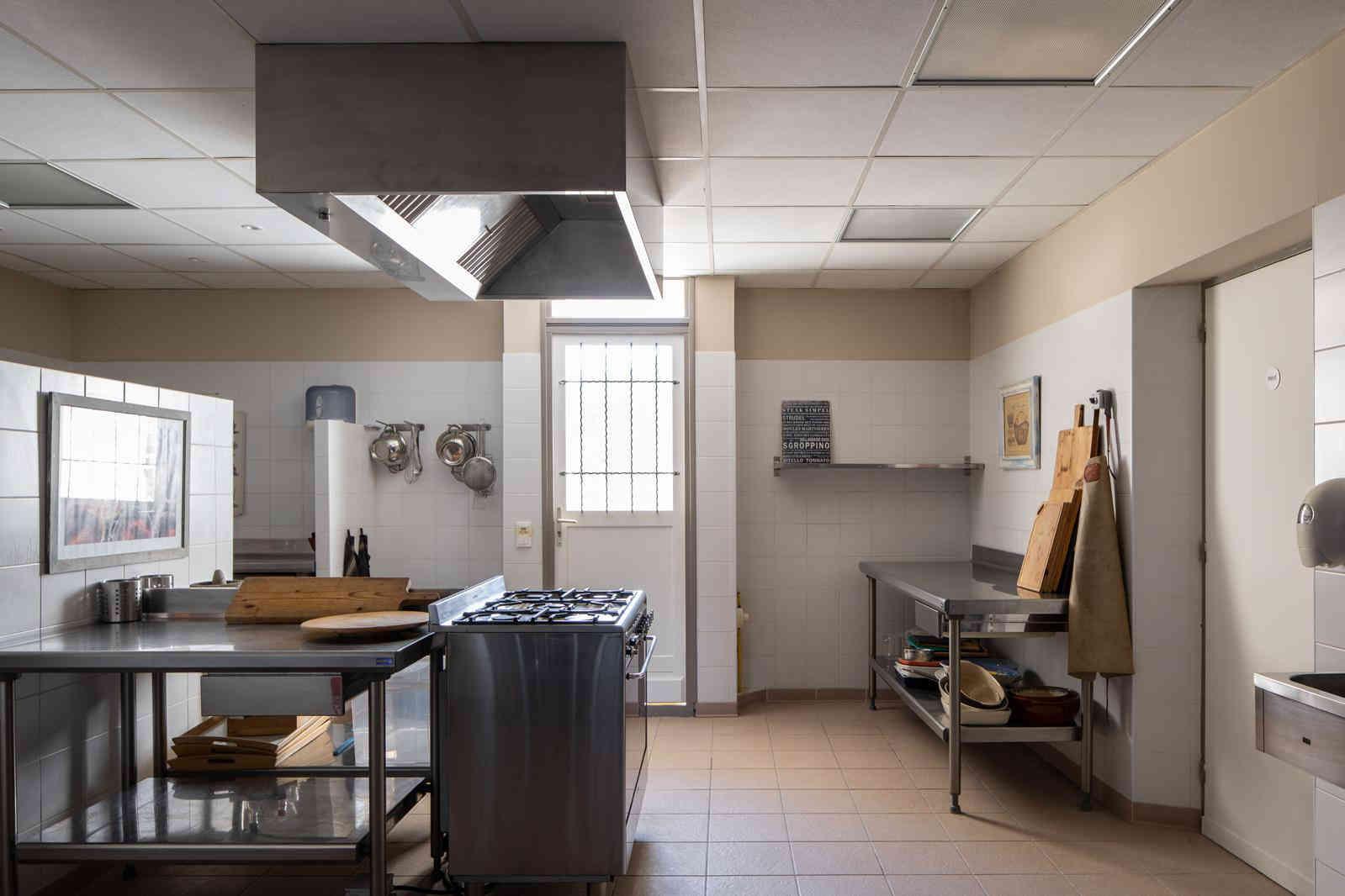 Kitchen 0.jpg