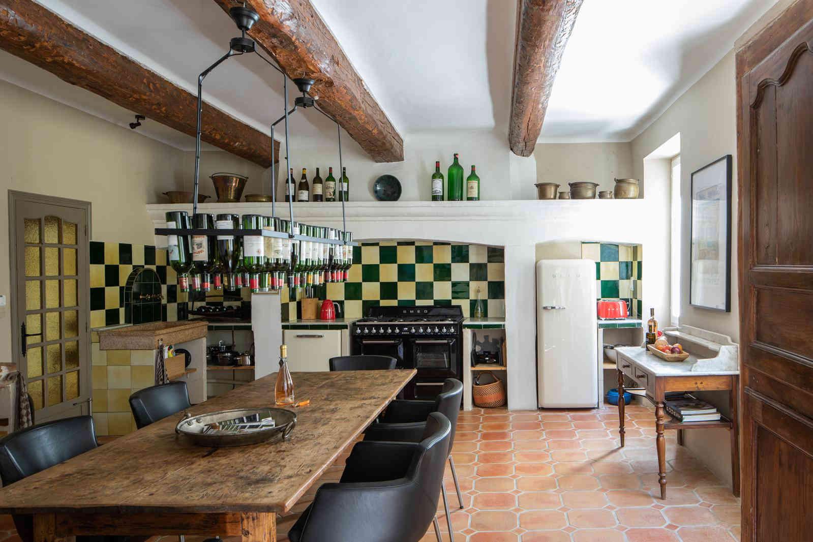 Kitchen 1st.jpg