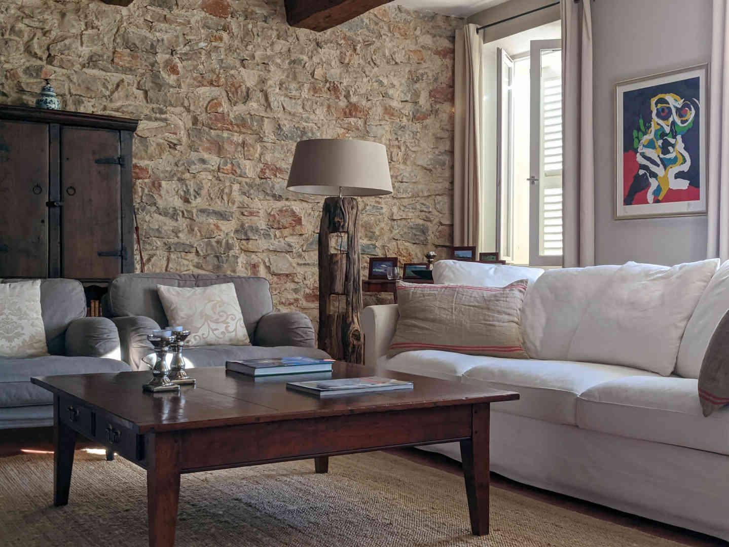 1. Living room - 2.jpg