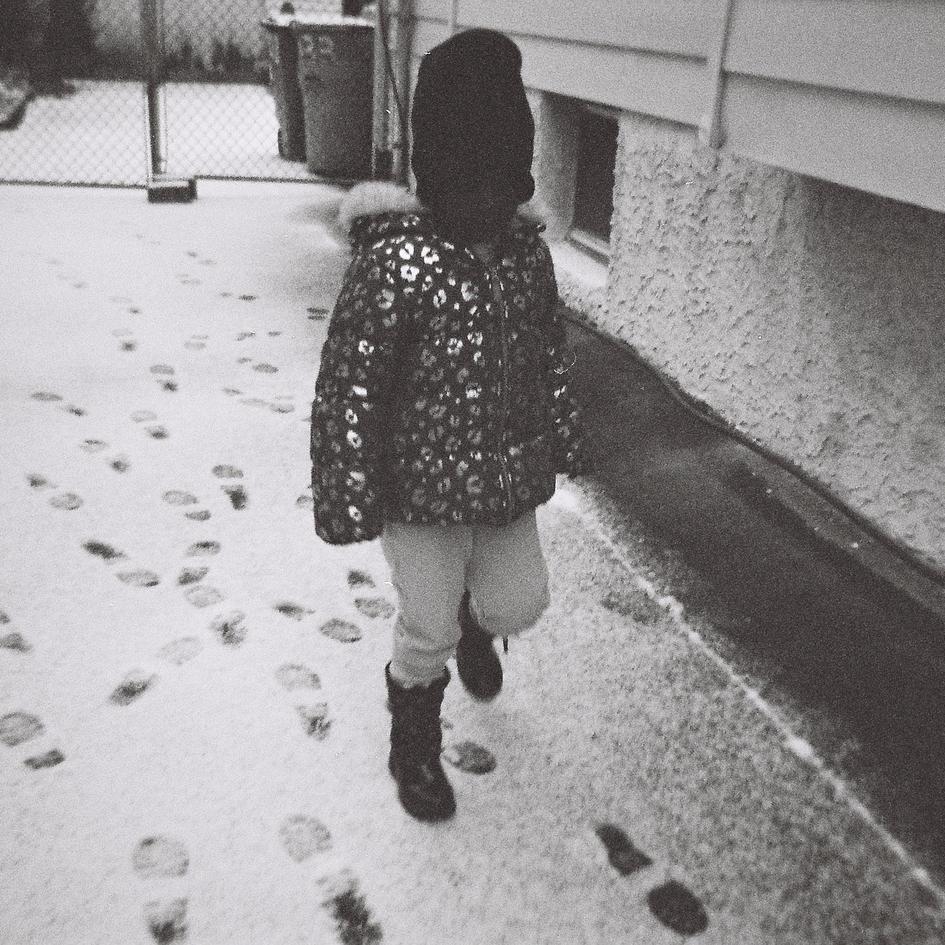 She makes footprints
