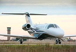 light jet частный самолет до 8 пассажиров