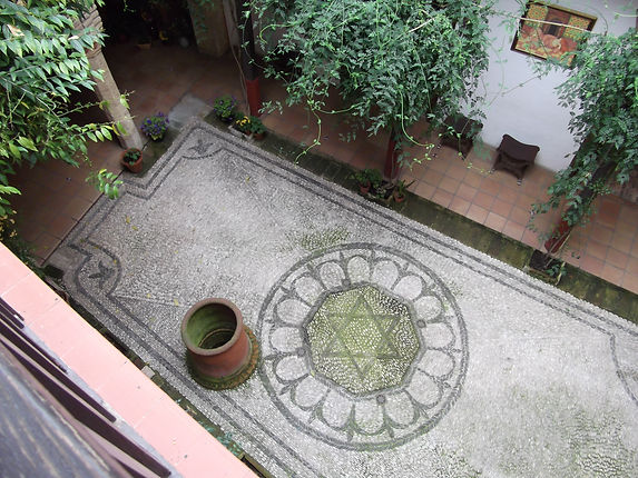COR casa sefarad patio.JPG