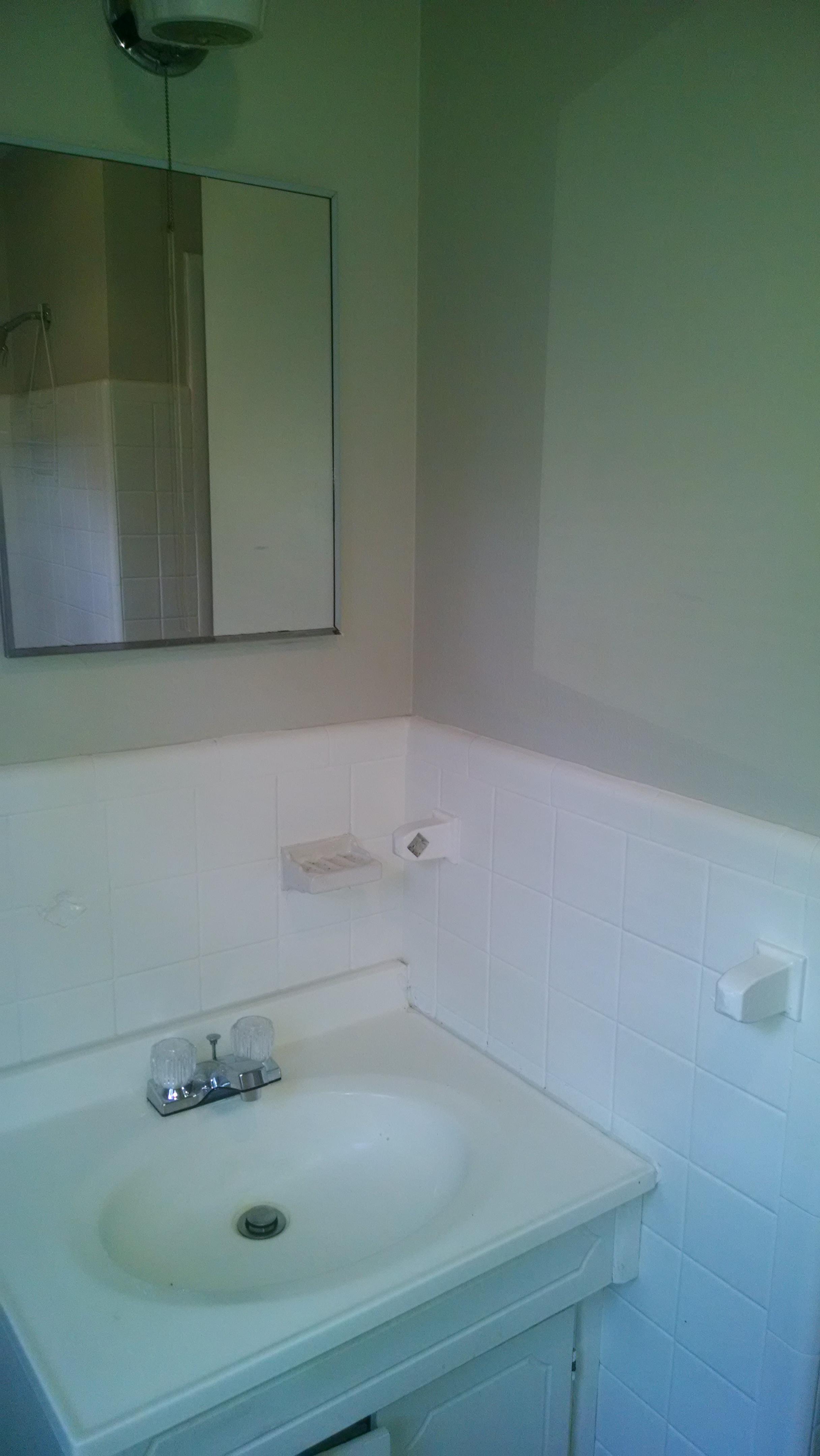 209+Meadowood+bath2