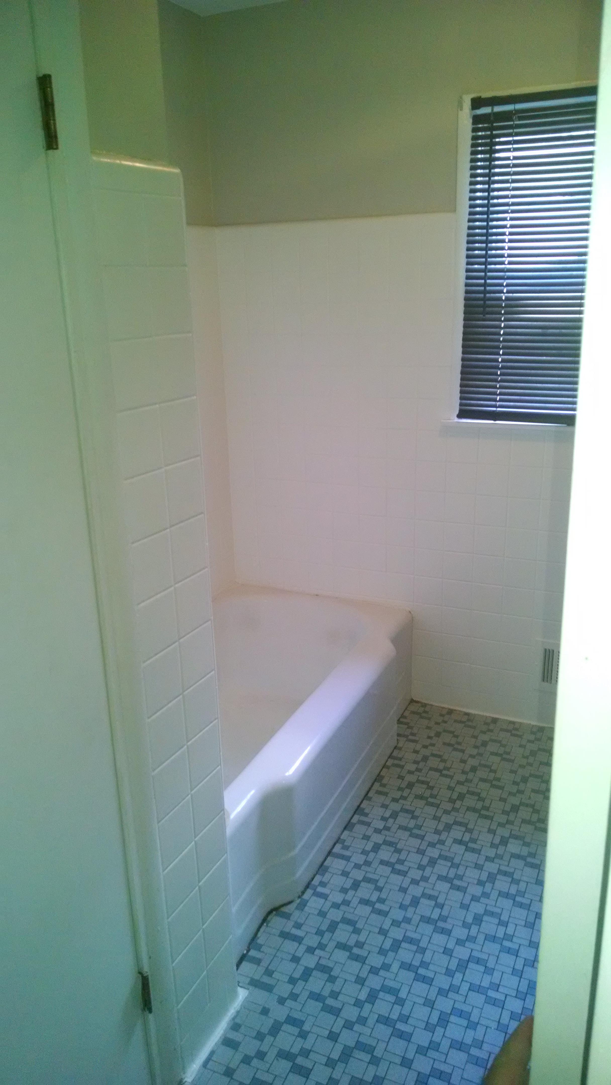 209+Meadowood+bath