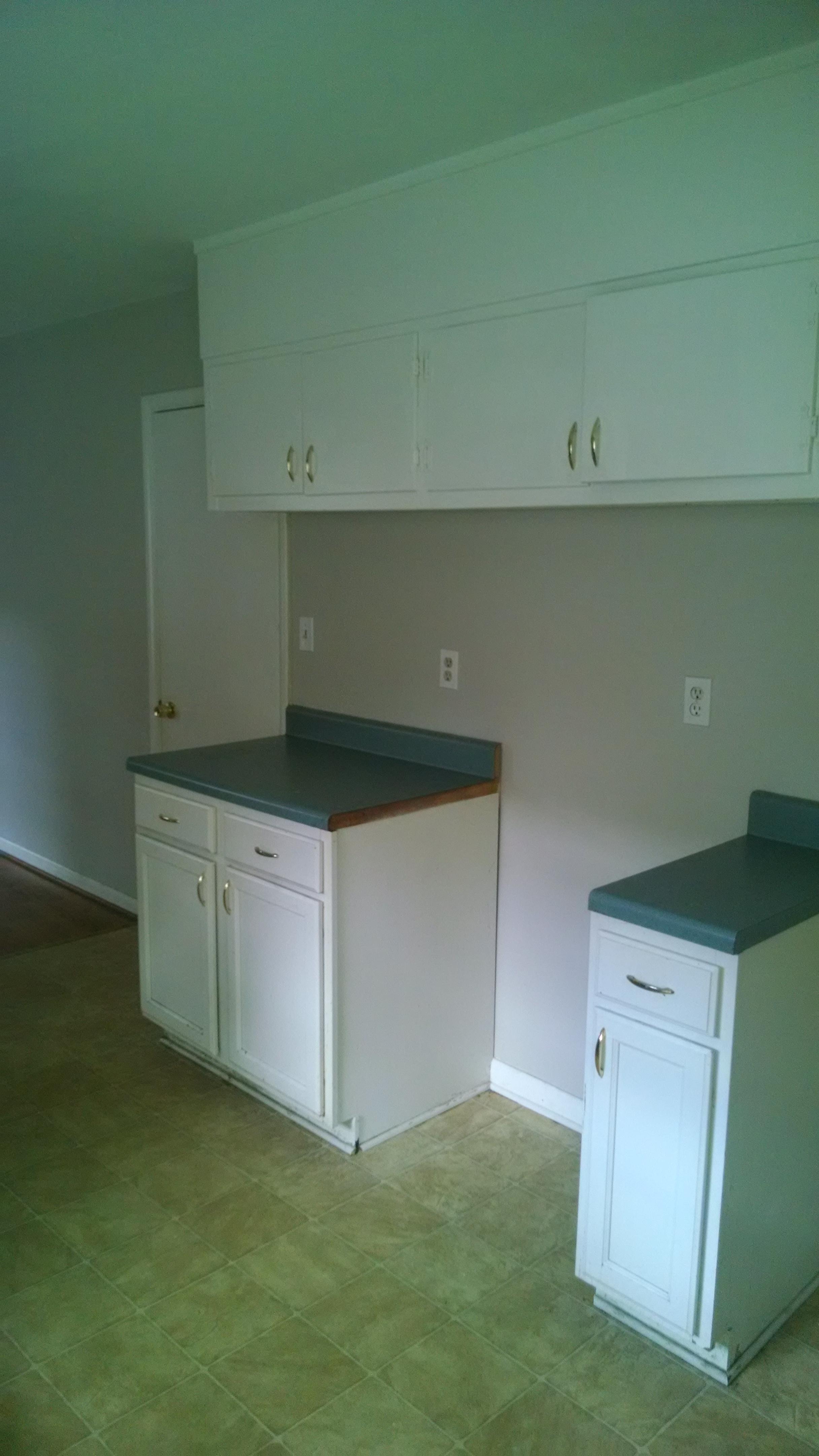 209+Meadowood+Kitchen2