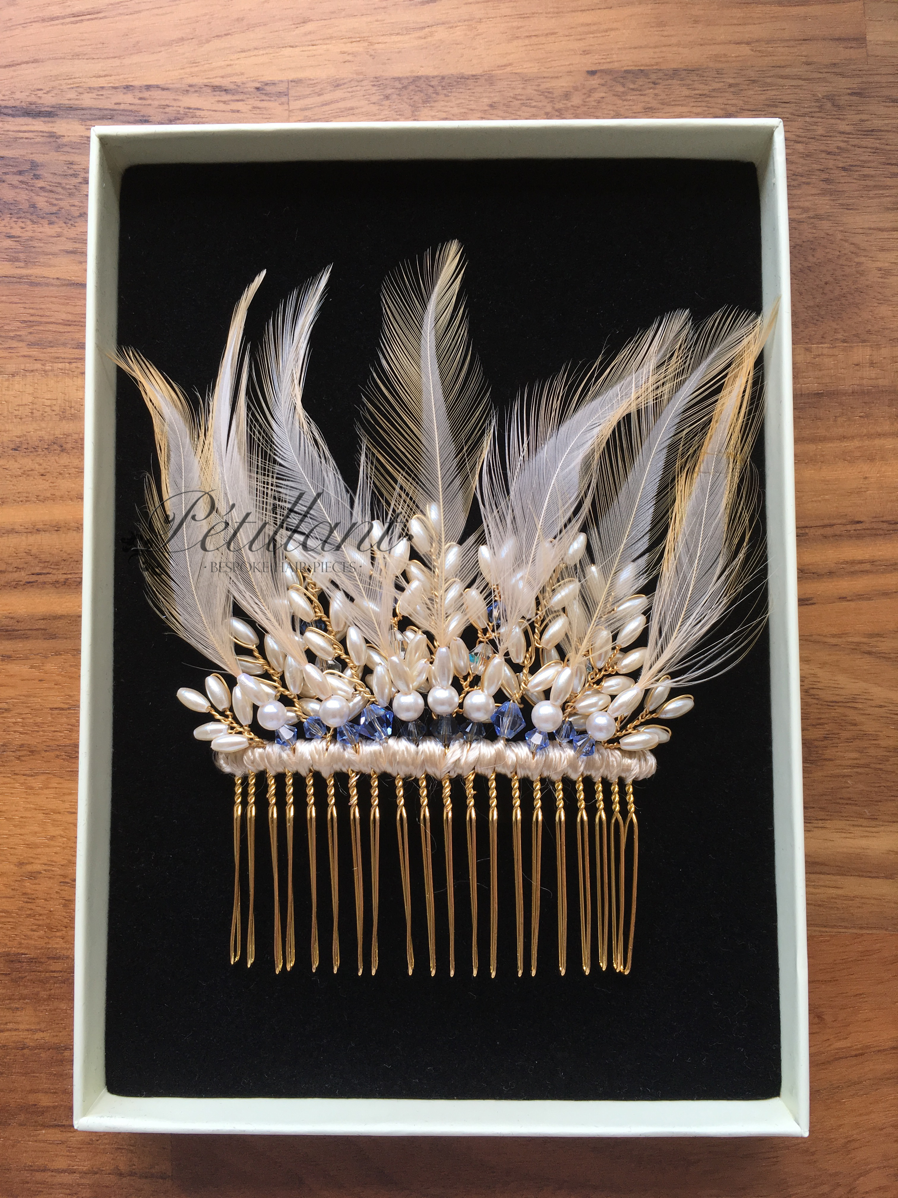 feather pearl comb