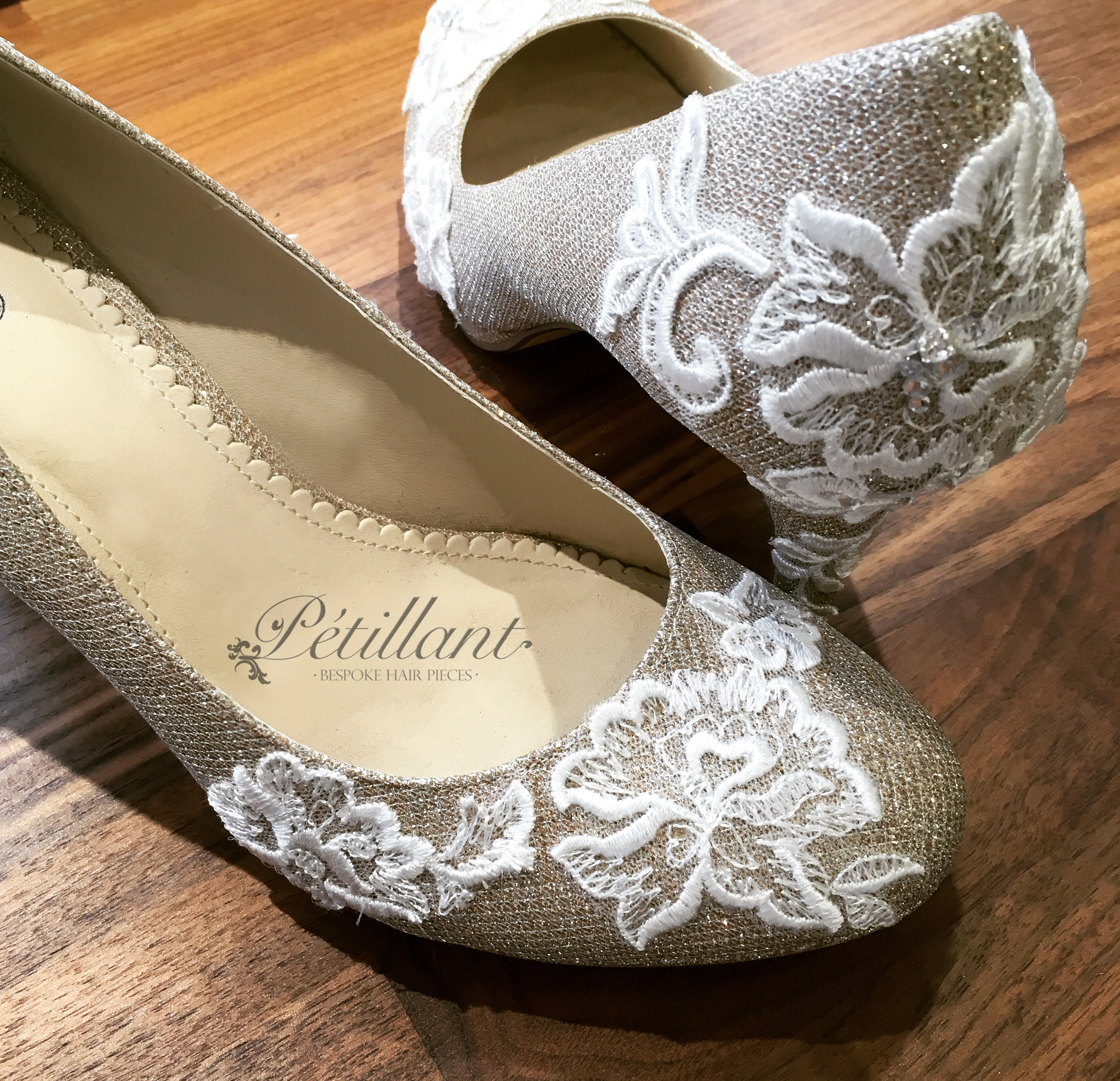 Gold court shoes with ivory lace
