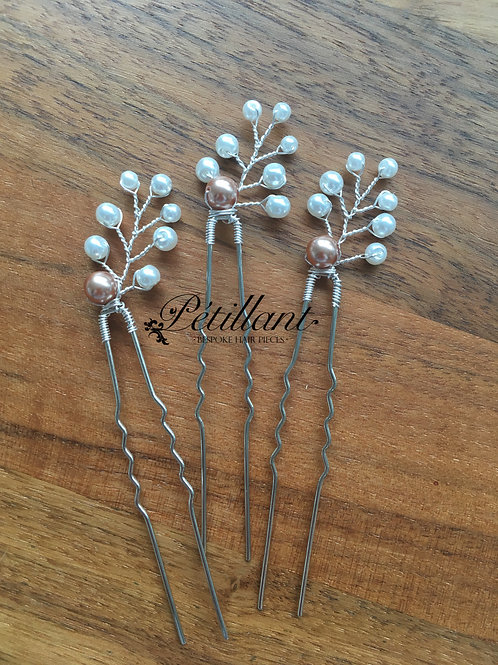 Set of 3 pearl spray hair pins