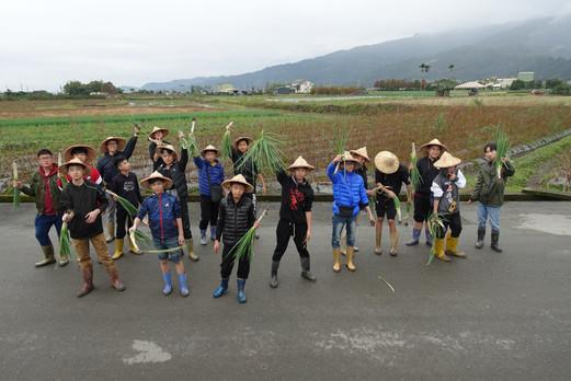 參觀農莊及體驗耕作-2.JPG