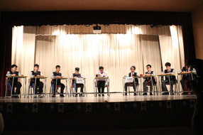 同學就通識就「學校應否成立電競隊」進行辯論.JPG