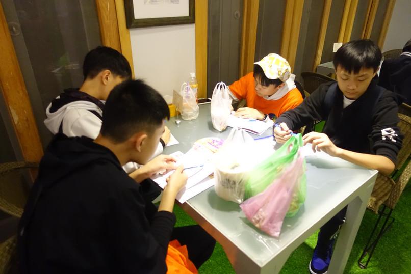 2.4-小組活動.JPG