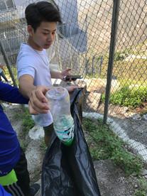 登山學會舉辦「香港三尖之清理山頂空膠樽計劃」- 青山