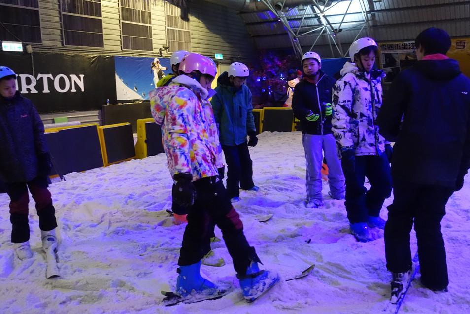 2.3-滑雪-3.JPG