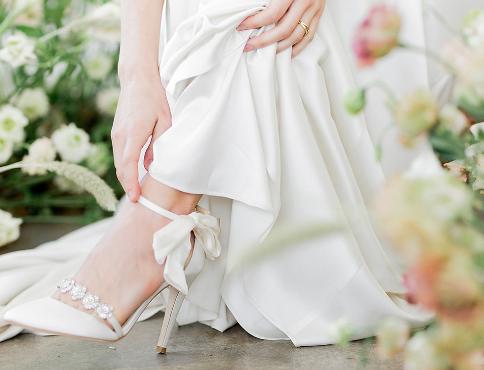 Olivia - Light Ivory - Luxe Silk Heel with Silk Bow Strap