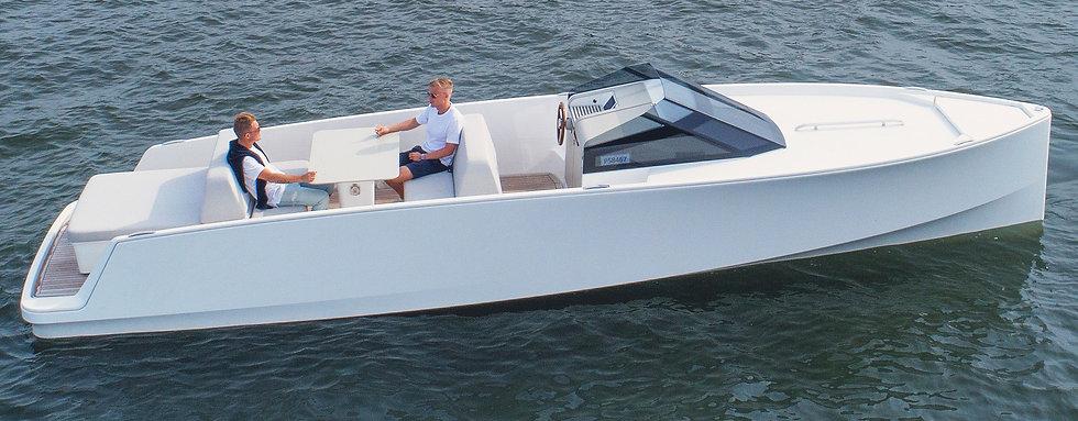 main_top_Q-Yachts-Q30.jpg