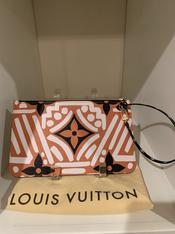 SOLD Louis Vuitton Pochette