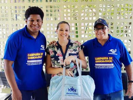CAMPANHA DE SINDICALIZAÇÃO 2019: Sindicato entrega mais um Kit Maternidade na UBS FAZENDA DA JUTA 2