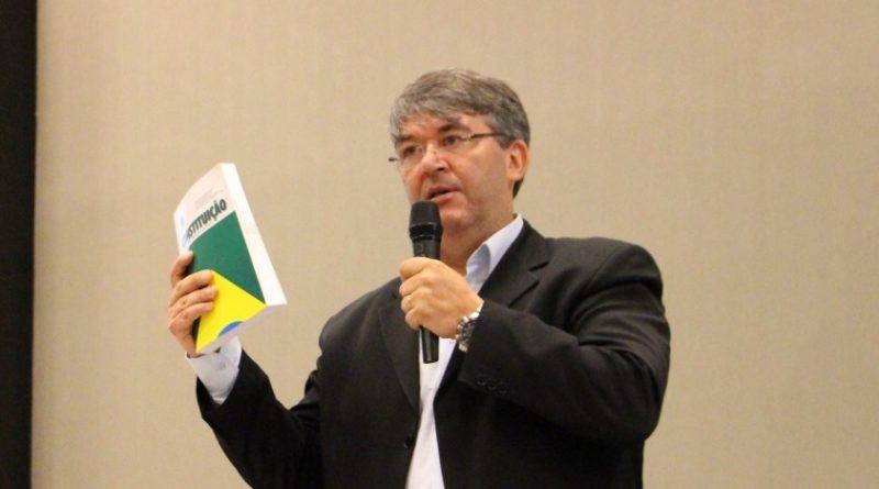 O presidente do CNS, Ronald Ferreira dos Santos (Foto: Reprodução/CRF-SC)