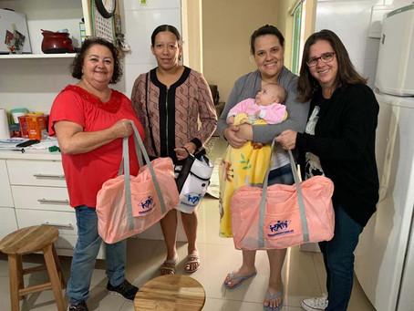 CAMPANHA DE SINDICALIZAÇÃO 2019: Sindicato entrega dois Kits Maternidade na Zona Leste