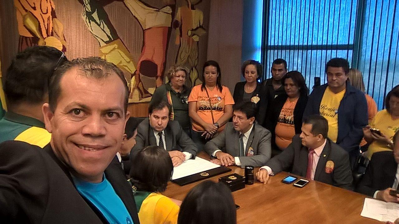 O companheiro Jailson e diversos ACS e ACE são recebidos pelo presidente da Câmara, deputado Rodrigo Maia. (Foto: José Jailson)