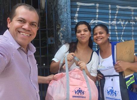 CAMPANHA DE SINDICALIZAÇÃO 2019: Sindicato entrega outro Kit Maternidade na UBS Anchieta