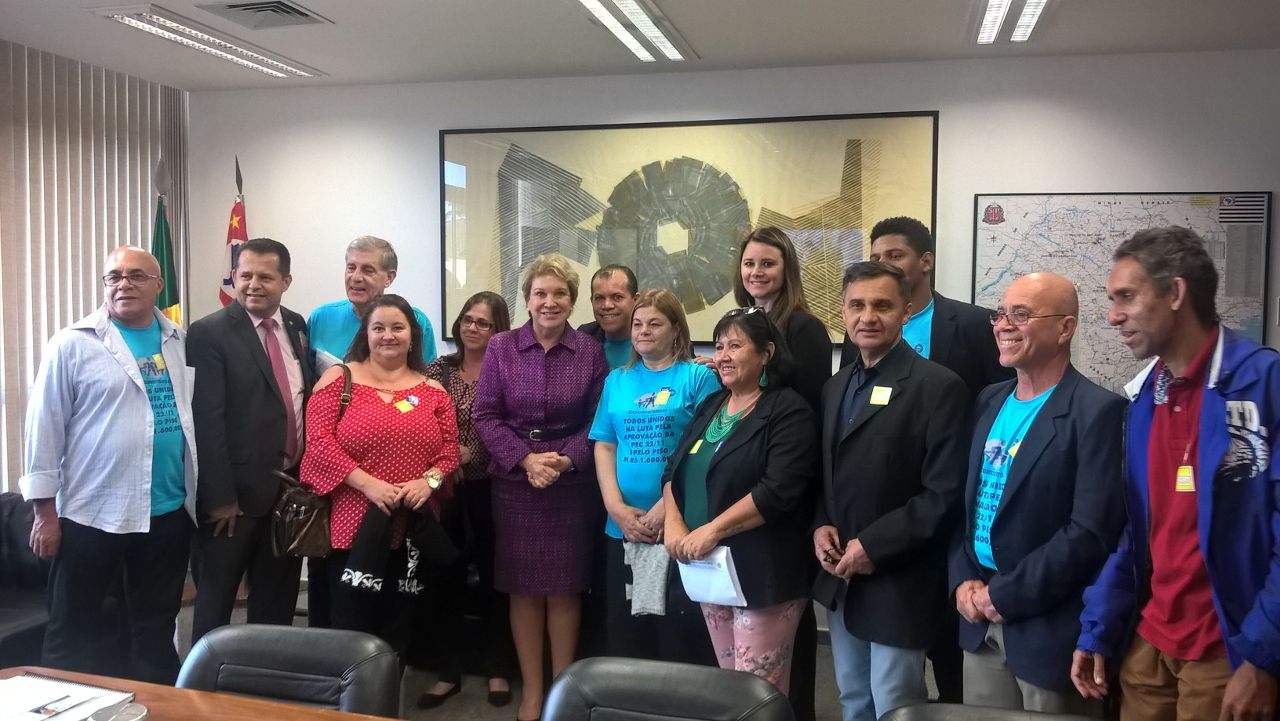 Senadora Marta Suplicy recebe a delegação do SINDICOMUNITÁRIO-SP em seu gabinete. (Foto: Assessoria Marta Suplicy)