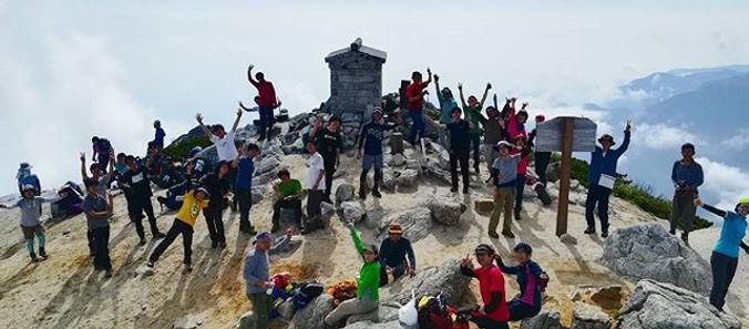 みんなの山頂!_最高の天候に恵まれました!_#甲斐駒ヶ岳