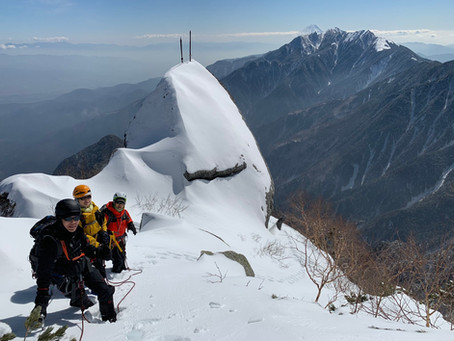 2020~2021 冬の甲斐駒ヶ岳 登山ツアー情報