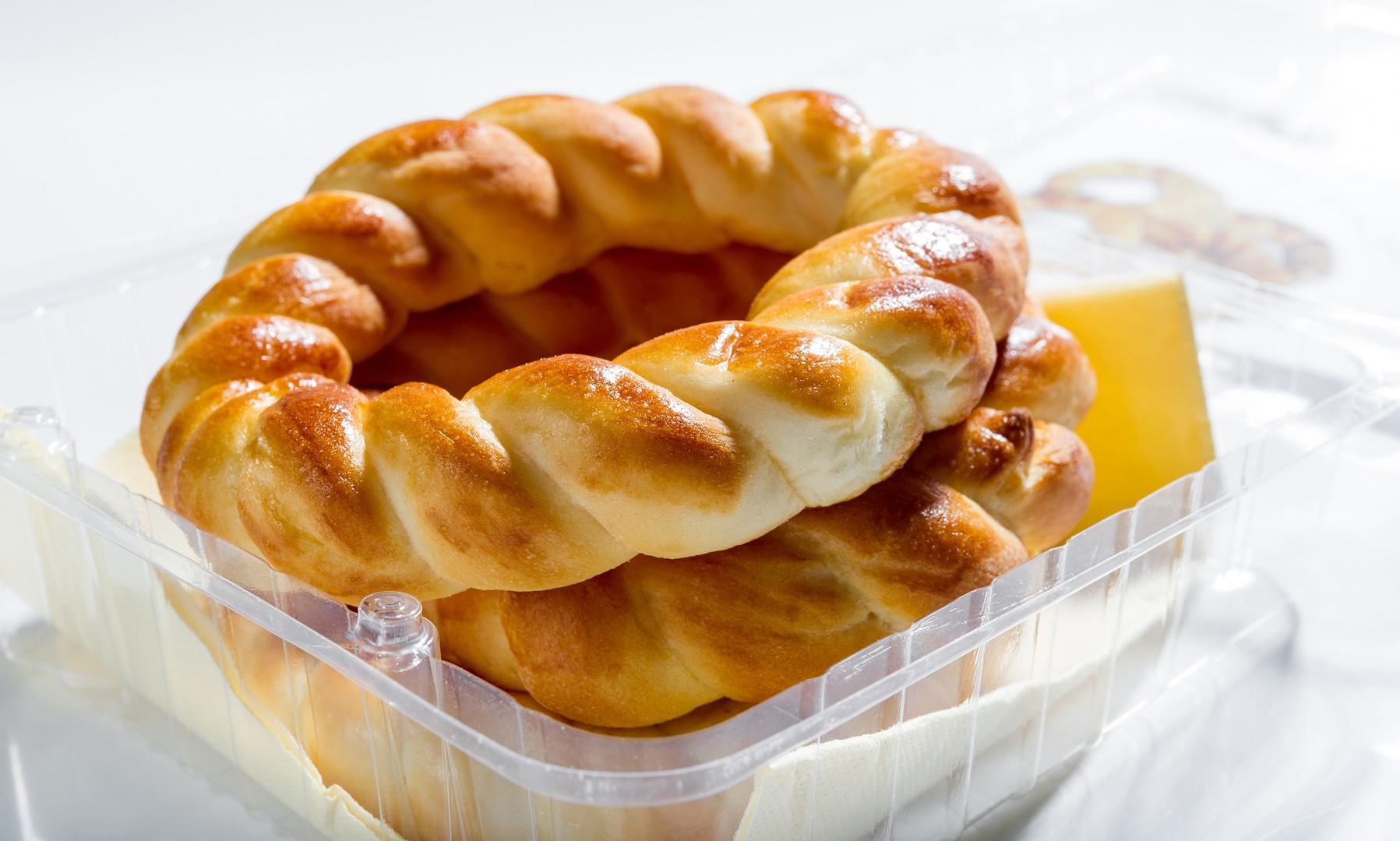 Pereci (savoury pastry)_to go_TL_Foto DD