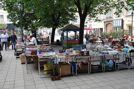 Flohmarktstand am Karmeliterplatz