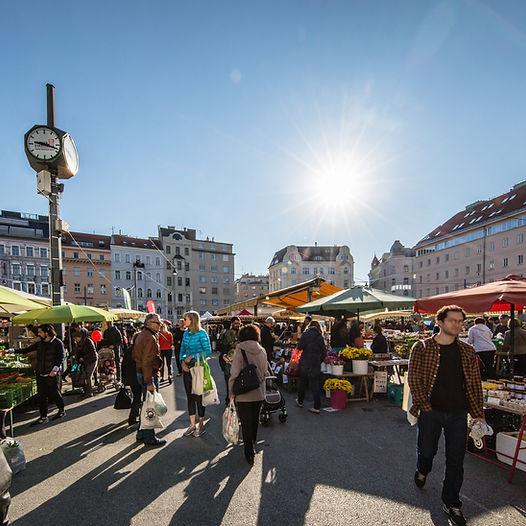 Einkaufen am Karmelitermarkt