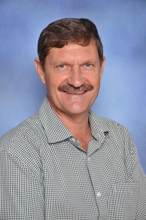 Mnr D Haasbroek (Hoof)villiesskool@icon.