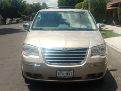 CHRYSLER TOWN AND COUNTRY 2010 876WWT ARENA 08