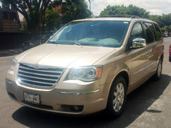 CHRYSLER TOWN AND COUNTRY 2010 876WWT ARENA 01
