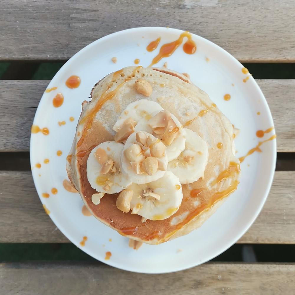 Loïs Clément Tacher pancakes biarritz petit-déjeuner équilibré nutrition santé diététique plaisir