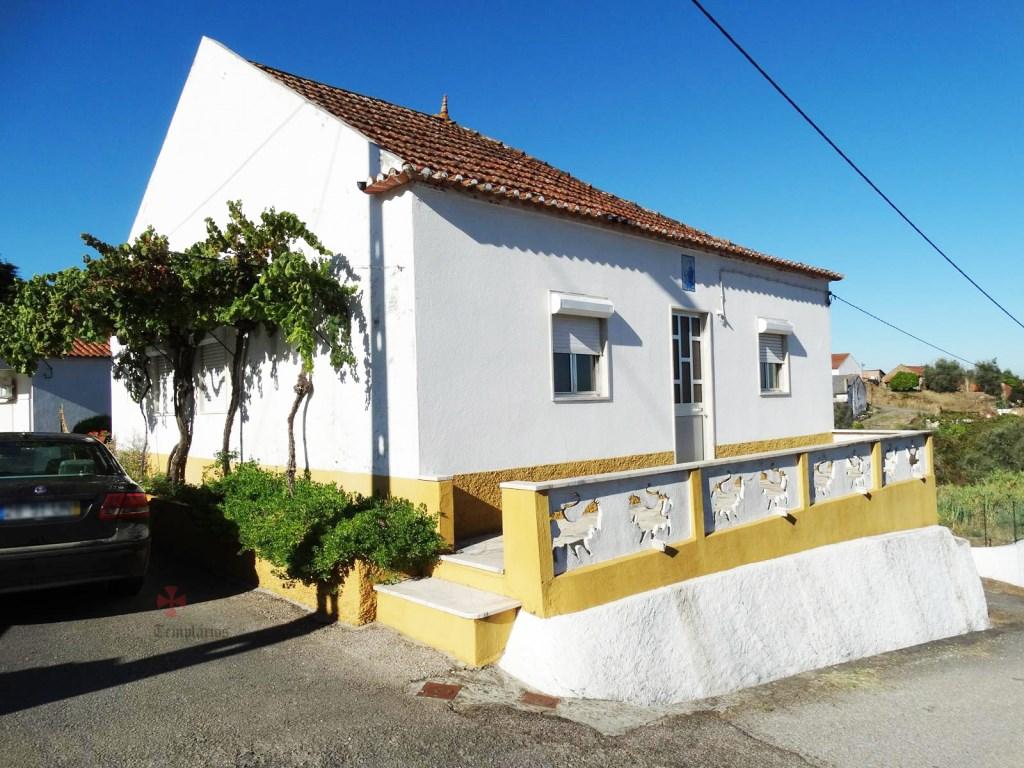 Propriété comprenant 2 maisons