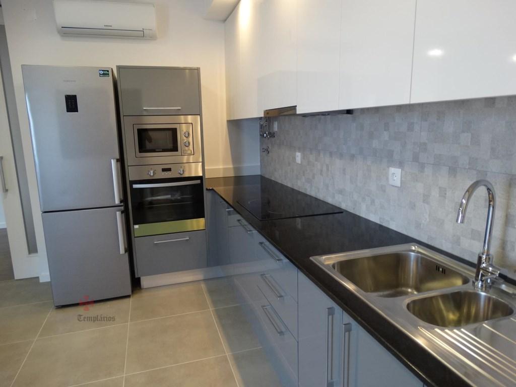 Appartement 4 Pièces - 150 000 €