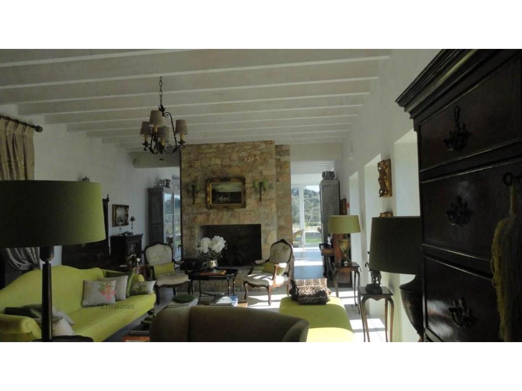 Villa 8 Pièces - 409 500 €