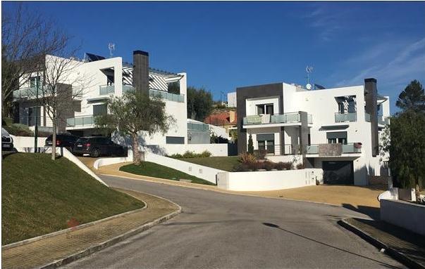 Villa 6 Pièces - 297 500 €