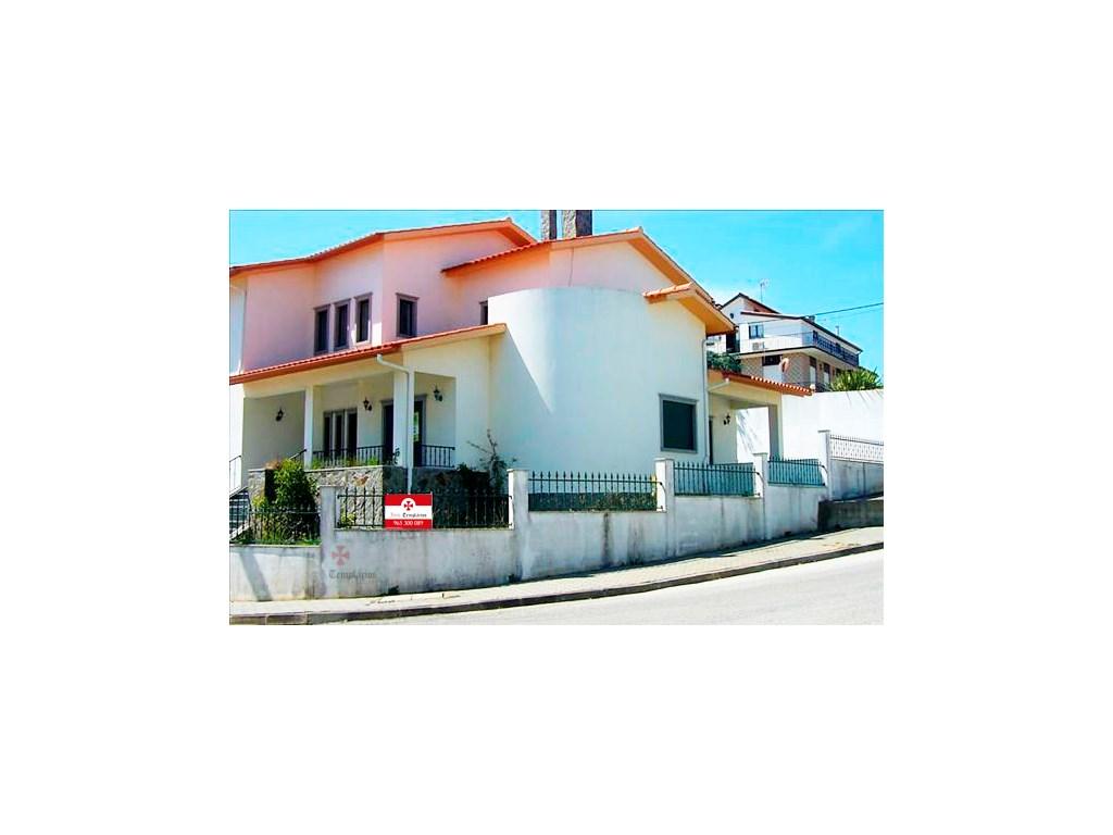 Villa 5 Pièces - 188 500 €