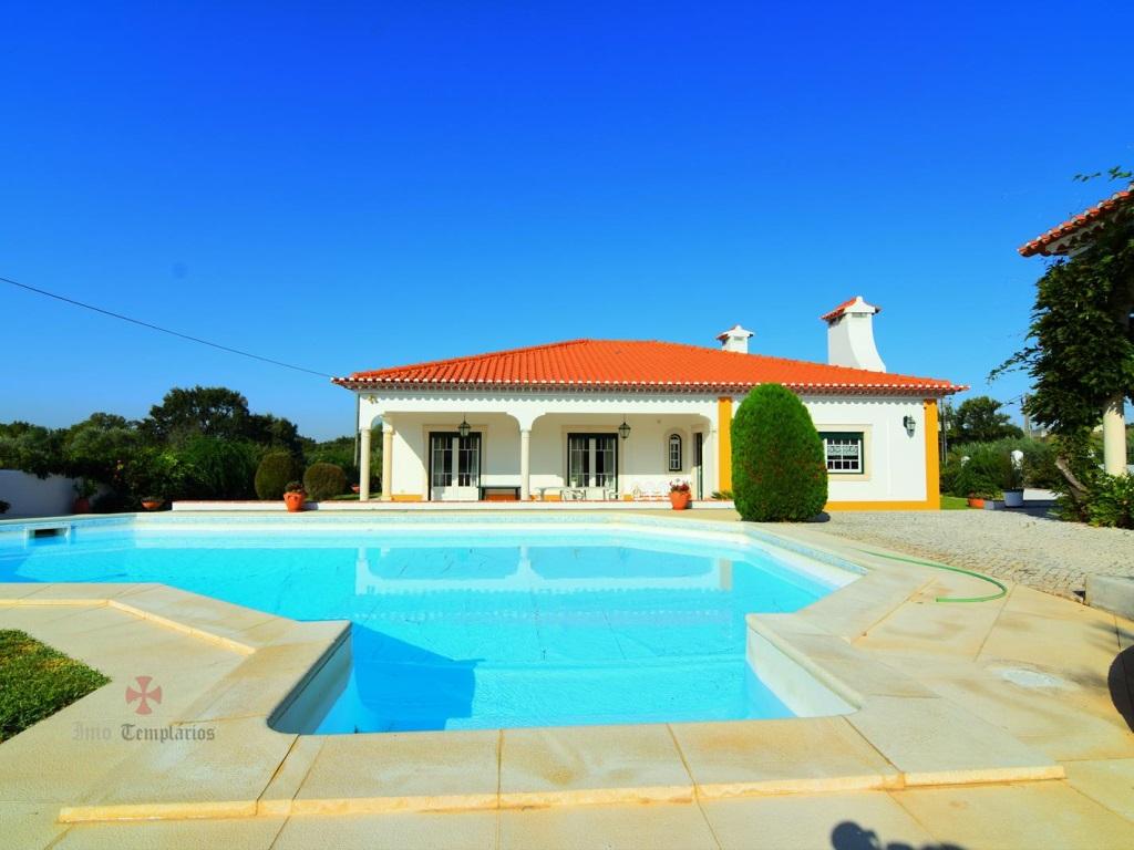 Villa 4 Pièces avec Piscine