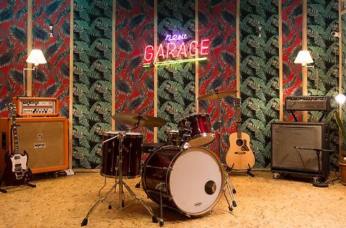 GARAGE 002.JPG