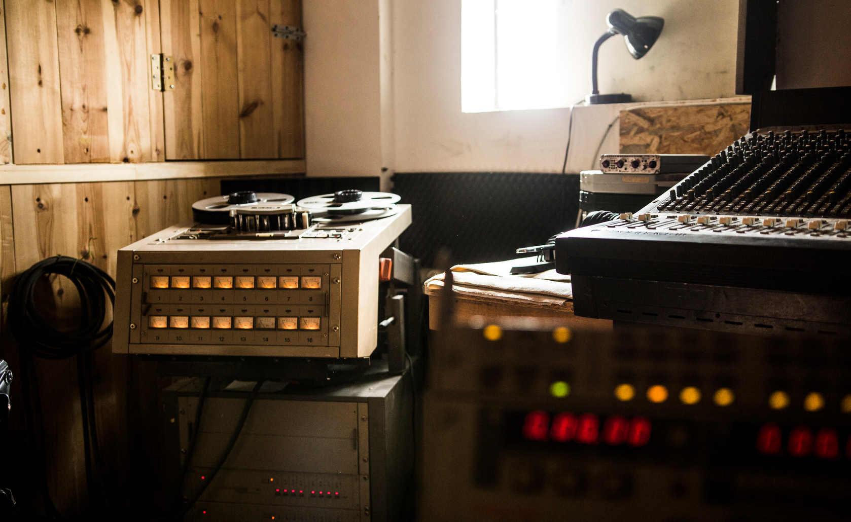 Garage Studio-007.JPG