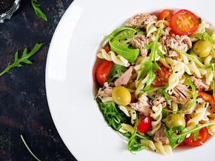 Salada de Macarrão com Atum - Na Cozinha com Vitória Tembe